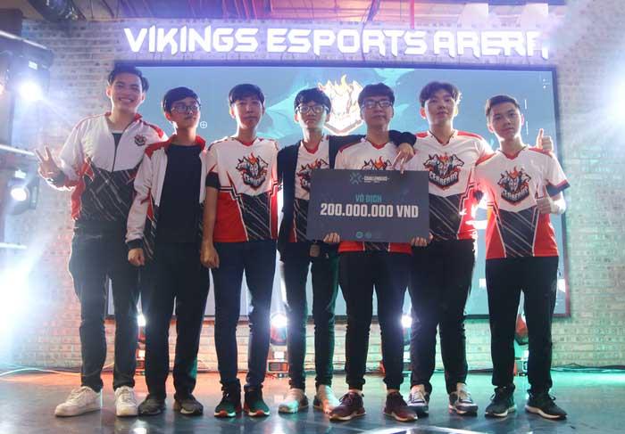 Valorant: Sướng như nhà vô địch VCT Vietnam 2021, được mẹ và bác lên tận livestream cổ vũ 2