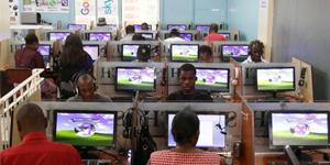 Quán Net tại Châu Phi hiện giờ trông giống hệt Việt Nam hồi năm 2006