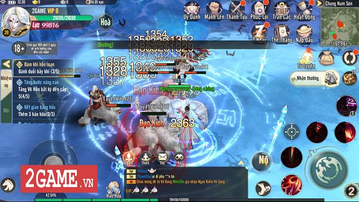 Ngạo Kiếm Vô Song Mobile mang lối chơi của Ỷ Thiên 3D Mobile, hình ảnh giống VLTK Mobile 3