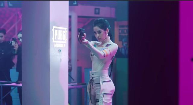 Nhiều bộ trang phục PUBG Mobile VN bất ngờ xuất hiện trong MV mới của Chi Pu 2