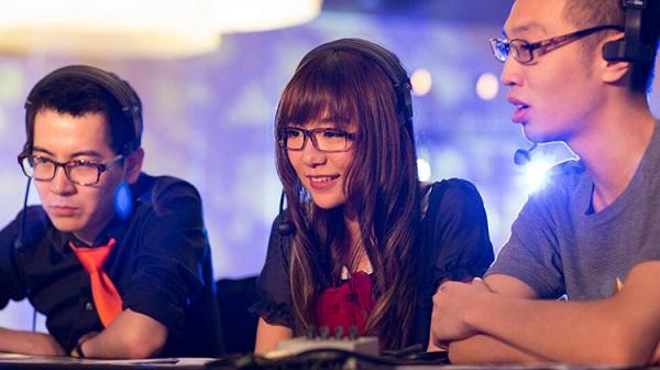 Nữ game thủ xinh như hotgirl đầu quan cho Tempo Storm