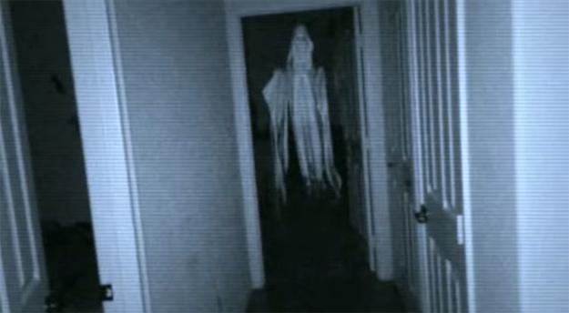Night Terrors: Khi căn phòng bạn tràn ngập ma quỷ