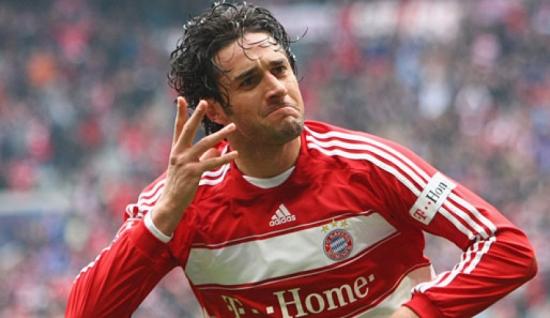 Luca Toni mùa giải 06: Sự lựa chọn tầm trung tuyệt vời