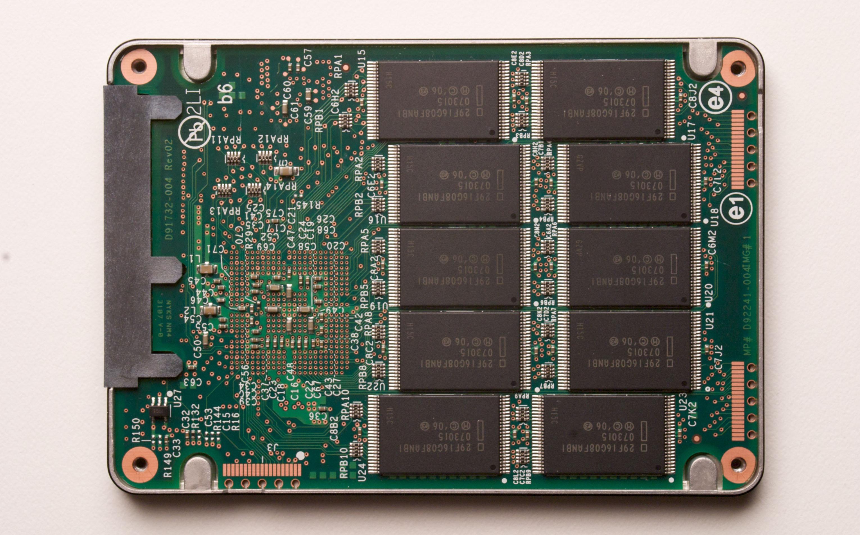 Intel ra mắt chip nhớ mới vừa làm ổ lưu trữ vừa làm RAM
