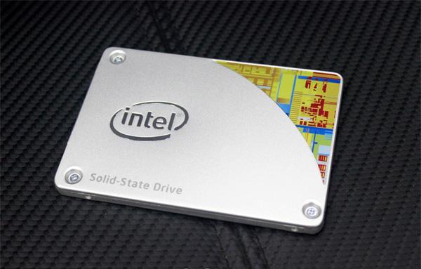 SSD Intel: Nhanh như tia chớp, nhẹ tựa lông hồng,  bền như gang thép