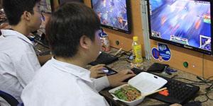 Lạ lùng câu chuyện game thủ 'ăn ngủ nghỉ' hơn 3 năm tại net