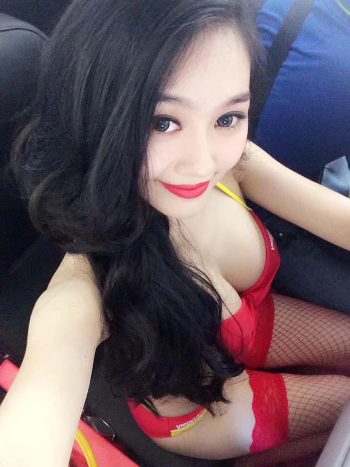Ngoc Trinh (2)