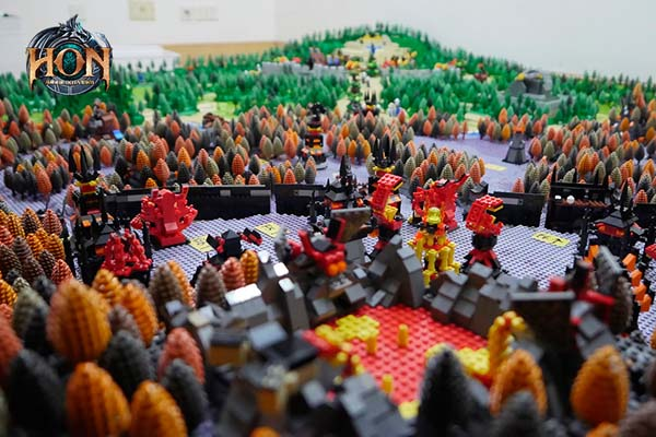 Heroes-of-Newerth-LEGO-map-4