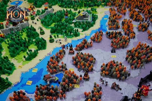 Heroes-of-Newerth-LEGO-map-5
