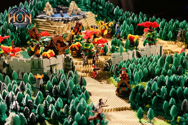 Heroes-of-Newerth-LEGO-map-6