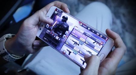 Trò chuyện cùng game thủ Crossfire Legends phá hơn 13000 Kim Cương cho… vui