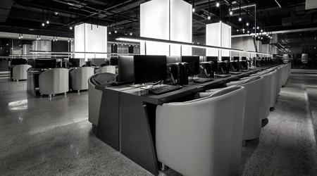 Choáng váng với phòng Internet Gaming Cafe 2,6 triệu đô của Châu Kiệt Luân