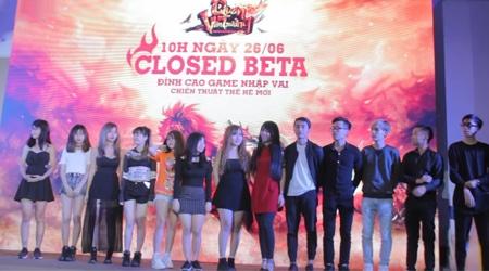 """Cận cảnh 16 streamer đình đám làng game Việt """"khô máu"""" trong offline Quan Vân Trường Mobile"""