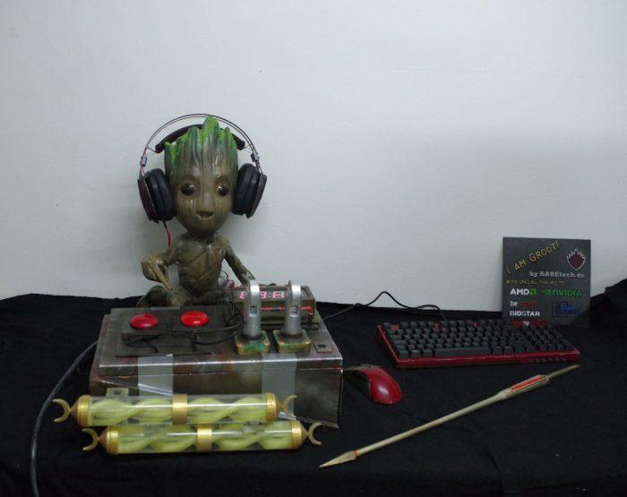 Cỗ máy tính hình Groot ngộ nghĩnh đủ sức chiến mọi game khủng