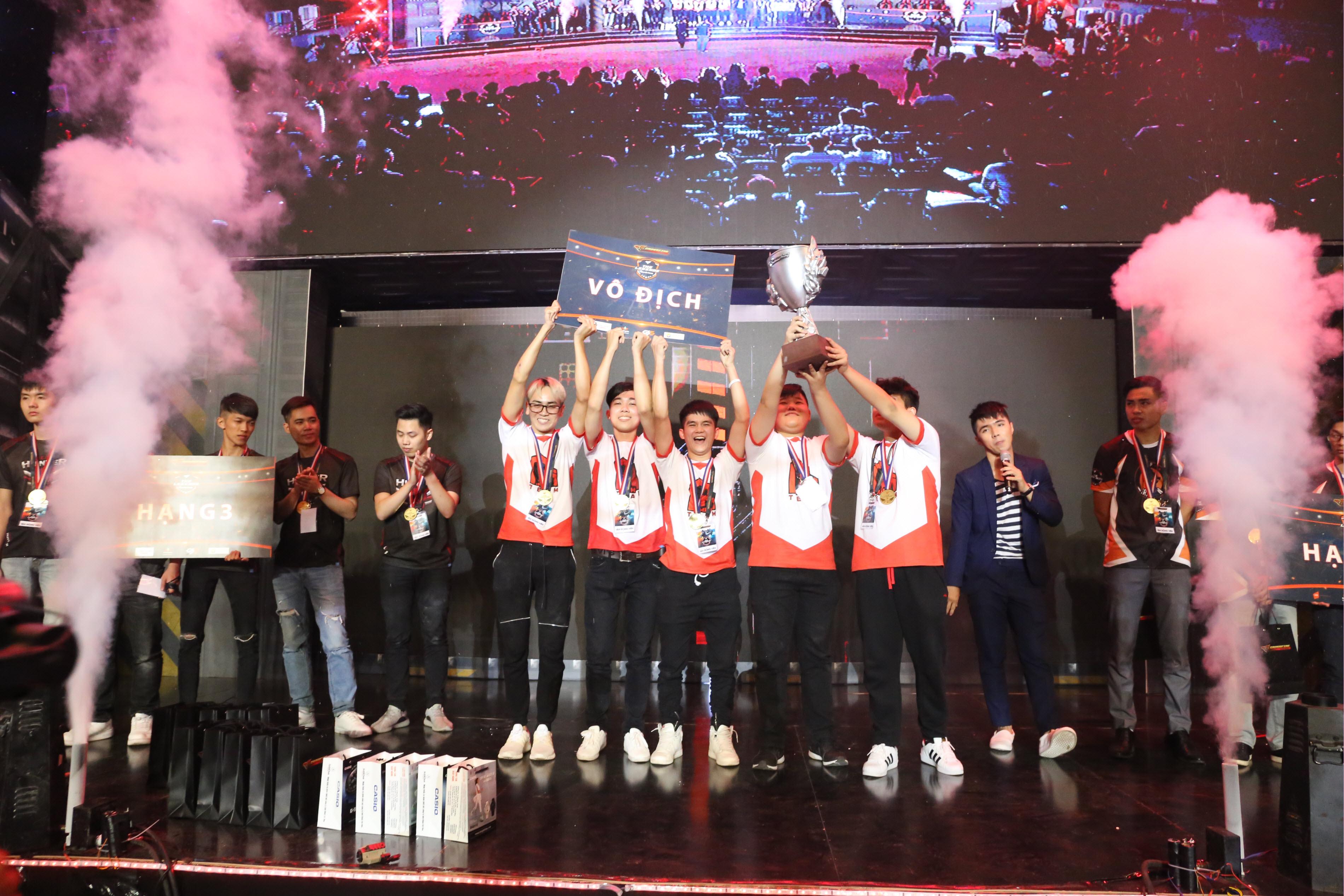 """Toàn cảnh chung kết The Legends 2017, Ahihi trở thành """"Huyền Thoại"""" đầu tiên"""