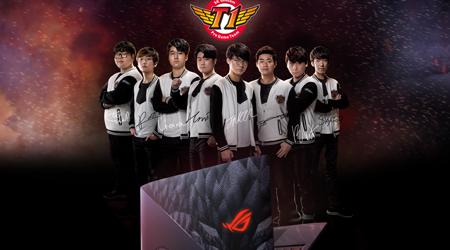 Asus chốt giá cho chiếc laptop có logo và chữ ký của các thành viên SKT T1