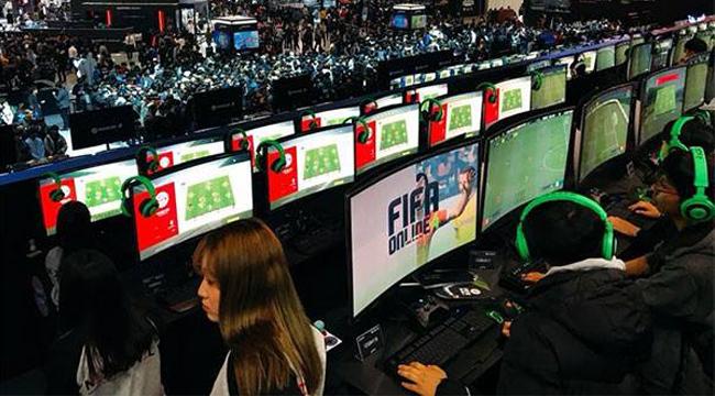Garena bất ngờ lộ hàng ngày ra mắt của FIFA Online 4 trên fanpage