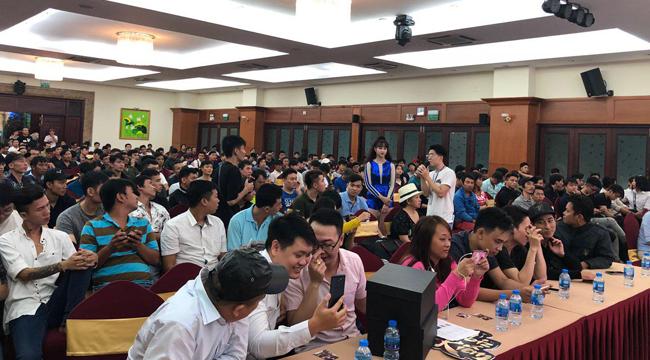 Dù phải lội mưa đi dự offline, 500 anh em Nhất Kiếm Giang Hồ vẫn tề tựu đông đủ