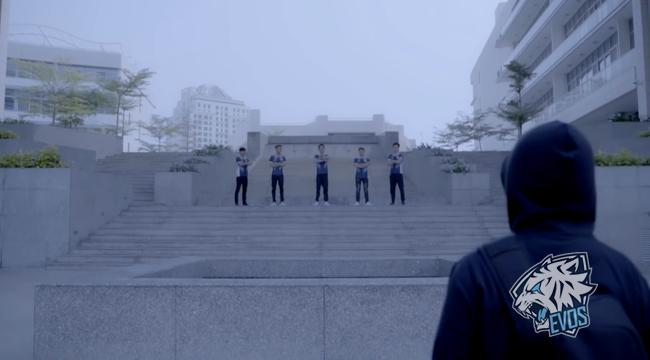 """LMHT: EVOS công bố đội hình chính thức 2019 với 2 siêu """"Boss"""" và """"Vũ khí bí mật"""""""