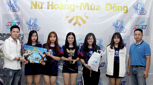 HTVC & IGP Gaming trao cúp vô địch cho các nữ game thủ xinh đẹp, tài năng tại giải đấu Nữ hoàng mùa đông