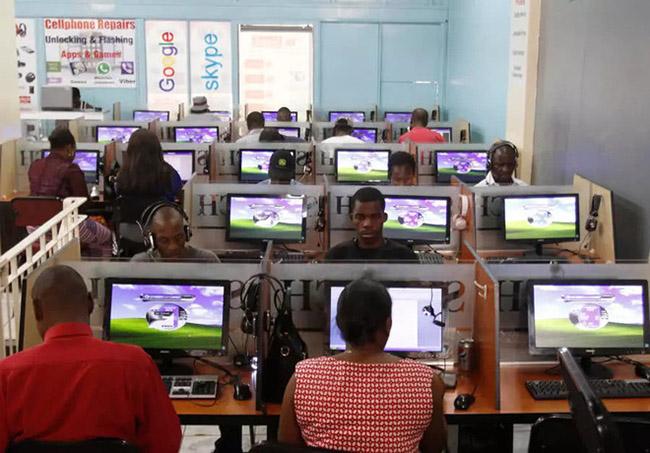 Chuyện thật như đùa: Quán net tại Châu Phi tải 1 trang web phải chờ 5 phút mà giá cắt cổ