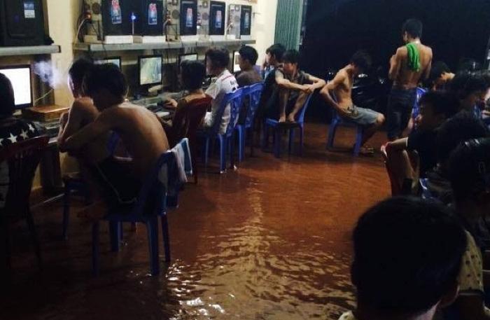 Tâm sự game thủ: Kinh hoàng gặp ma quán net trong một đêm mưa gió bão bùng (Phần 3)