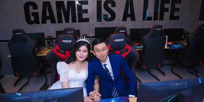 Cộng đồng Dota 2 nức lòng với bộ ảnh cưới tại quán net của cặp vợ chồng cùng mê game