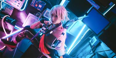 LMHT: Ngẩn ngơ với cosplay Akali True Damage siêu cool ngầu